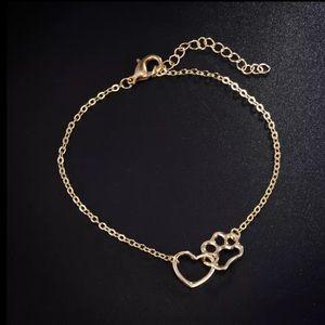 NEW Gold interlocking Paw Heart bracelet